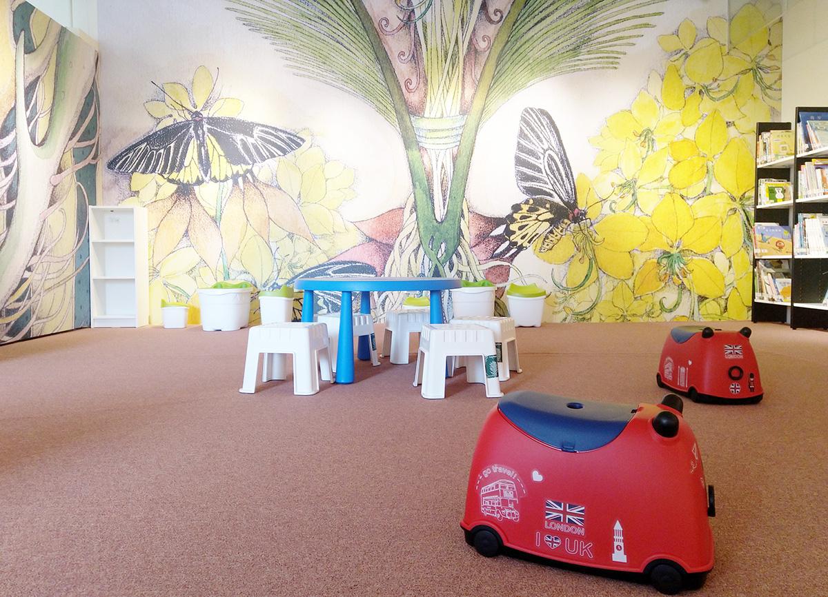 港區藝術中心感謝臺中在地優質企業「樹德傢俱」提供可愛的櫃子、座椅,以及臺中市立圖書館清水分館每月交換繪本故事書,讓美資館轉型得以提供更加優質服務