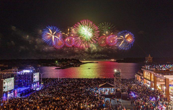 「2020將軍火音樂節」於今27日在台南將軍漁港熱鬧登場,活動包含舞台區及周邊觀賞區域累積人數上看6萬多人次。