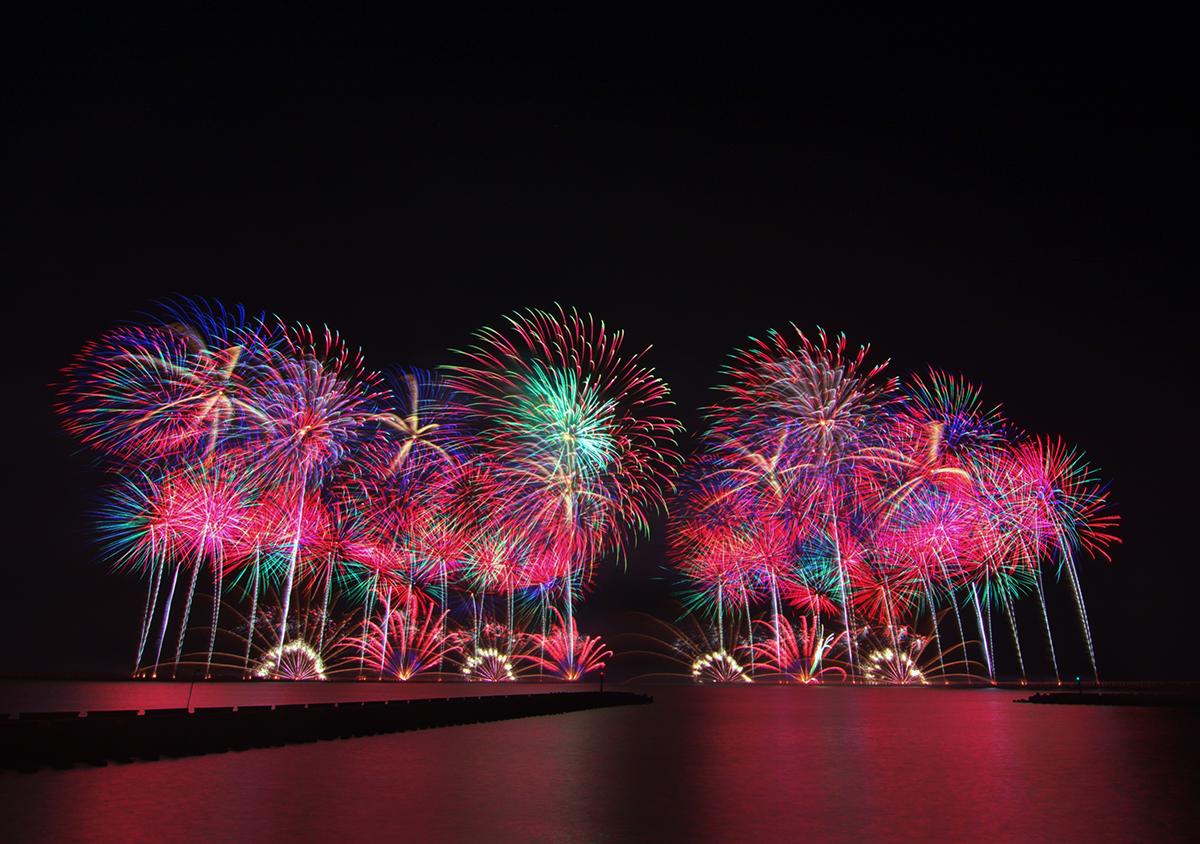 現場也在20時20分(2020年愛妳愛你)準時連續綻放以在地地名「將軍」為名的15分鐘璀璨耀眼、令人目不轉睛的花火秀。