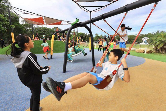 大甲鐵砧山雕塑公園,奇趣盪鞦韆-小朋友直呼好玩