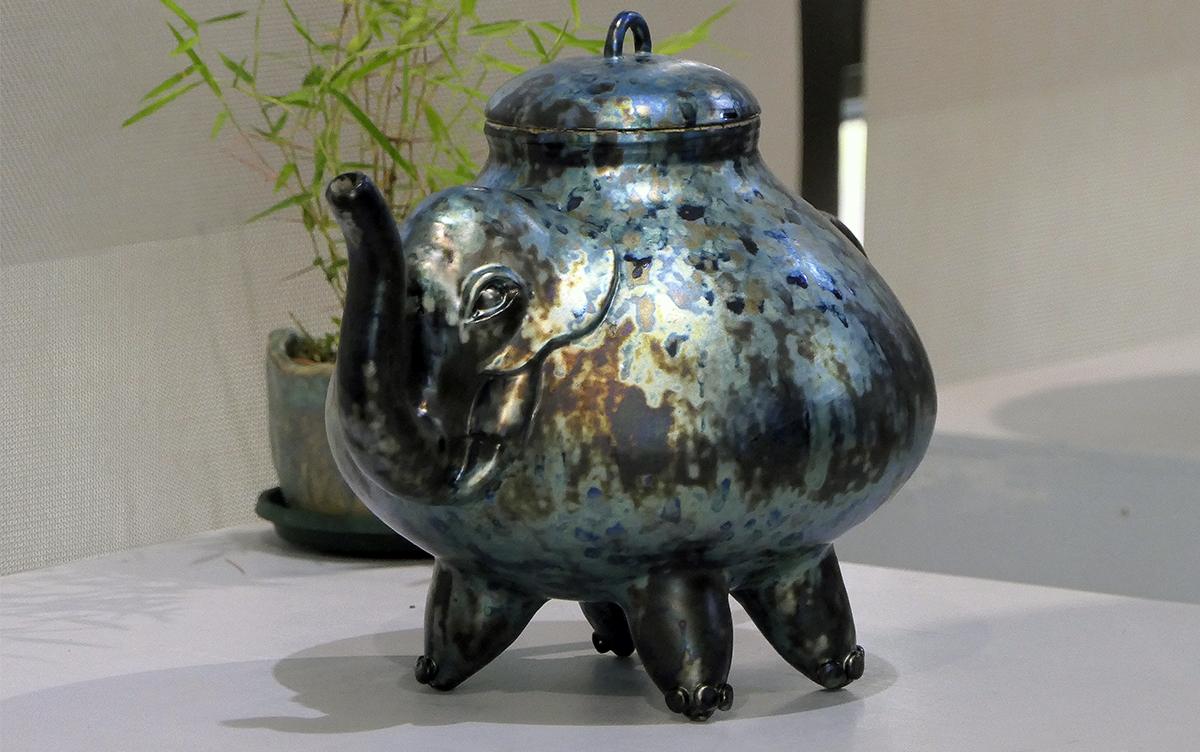 精湛的陶藝技法謝嘉亨創作出光彩奪目的閃光釉