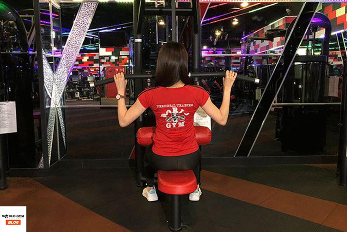 丟掉女生重訓迷思 訓練讓妳瘦得健康有線條!03-滑輪機下拉