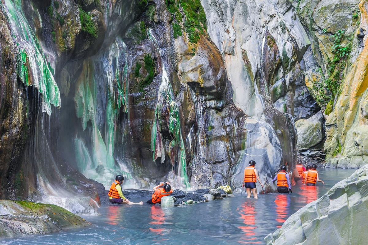 台東最美野溪秘境栗松溫泉-可樂旅遊提供