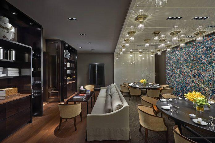 雅閣中餐廳的包廂典雅氣派,是小型聚會的首選
