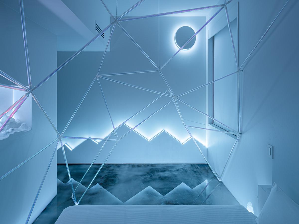 日本橋「BnA_Wall」藝術旅店-利用光景與玻璃營造冷調空間氛圍(圖片來源BnA株式會社)