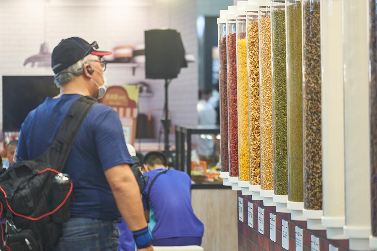 曆食博物館參觀食材試管民眾