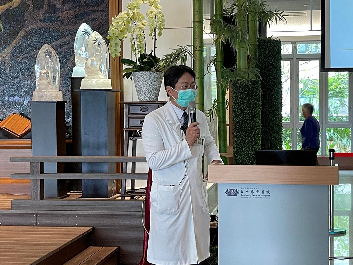 蔡宗訓醫師分享攝護腺肥大與尿道結石治療新知。