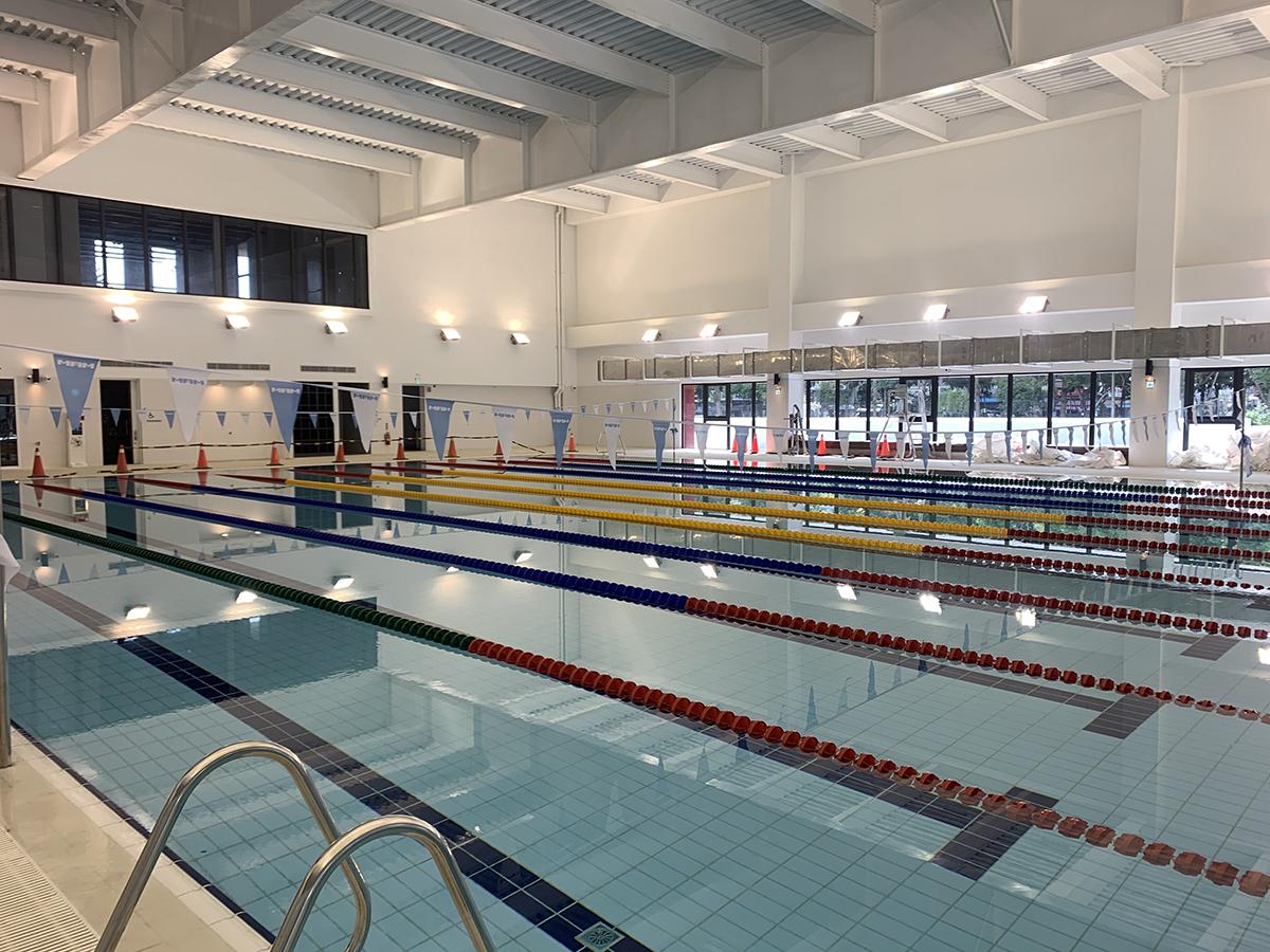 潭子國民暨兒童運動中心內部游泳池 。