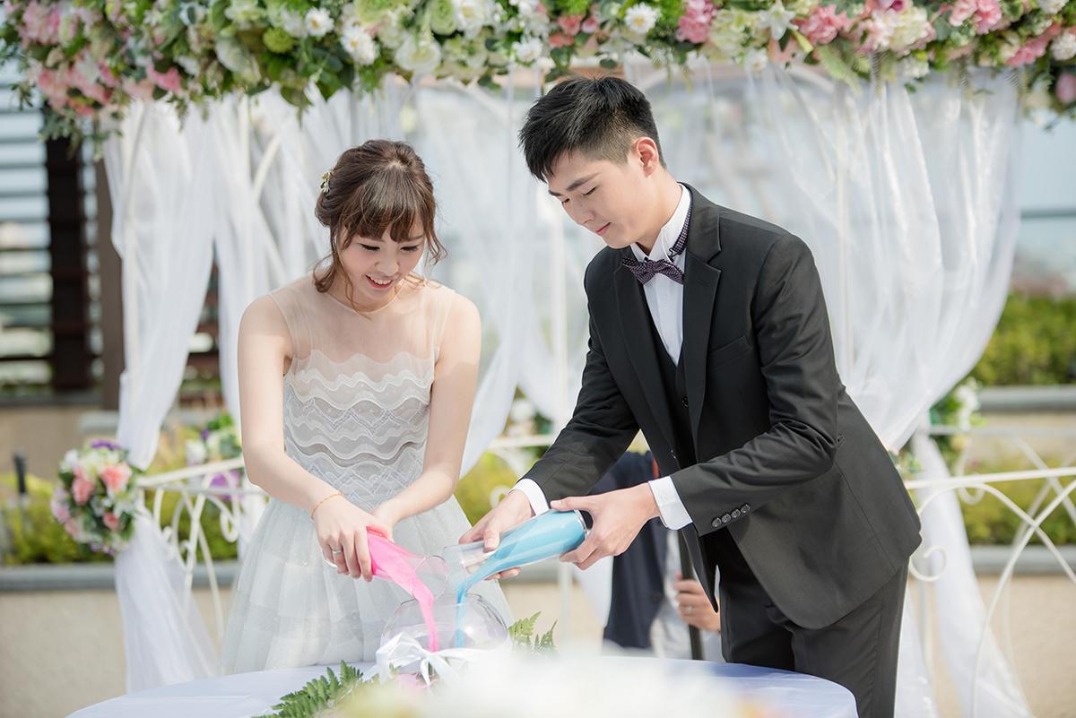 台南大員皇冠假日酒店-證婚合沙儀式。圖:台南大員皇冠假日酒店 提供